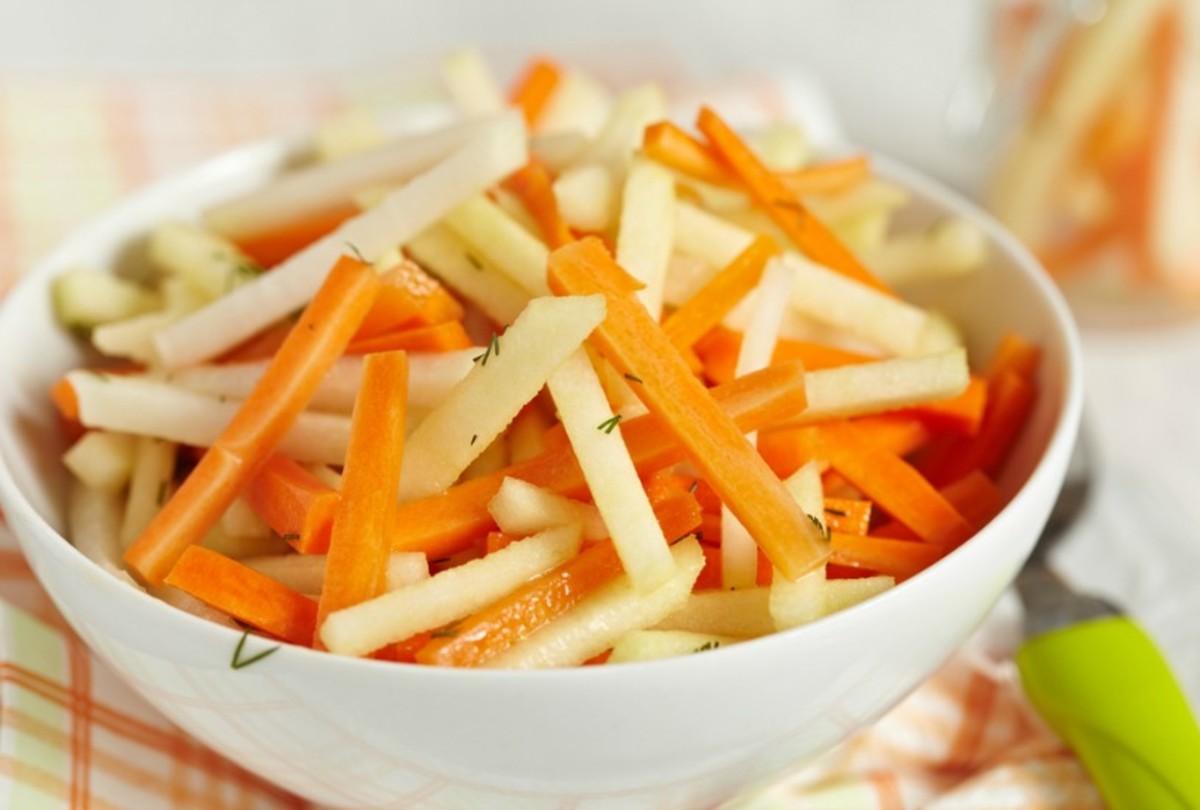Салат морковка с яблоком рецепт