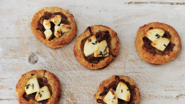 Caramelized Onion and Goat Cheese Pastry
