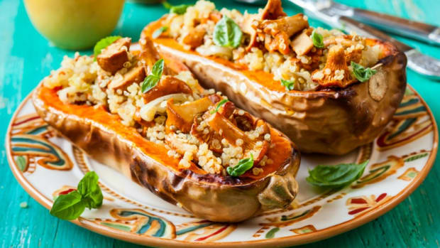 quinoa and mushrooms stuffed squash