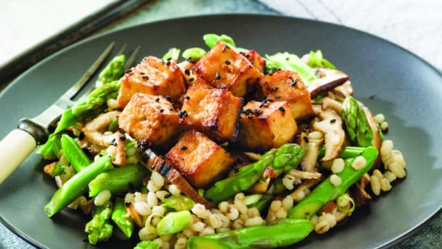 Barley, Asparagus and Mushroom Salad topped with Ginger Tofu