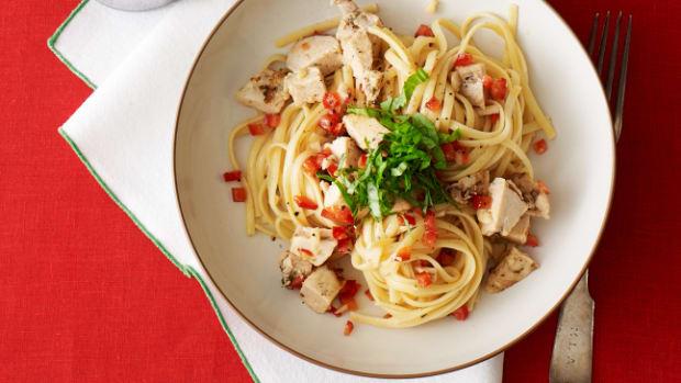 Spicy Chicken and Garlic Pasta