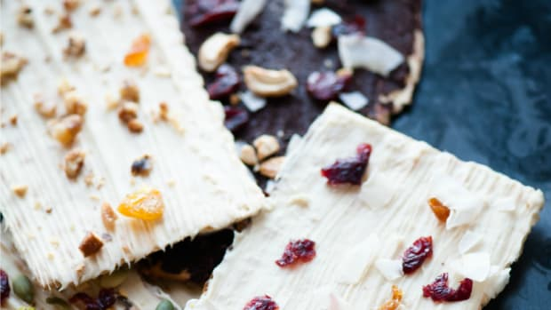 Chocolat Covered Matzo Bark