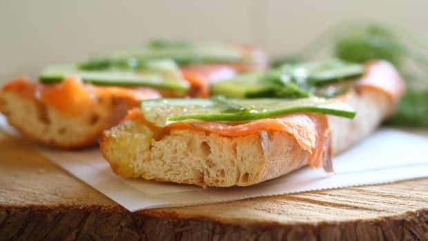 cucumber and salmon sandwich
