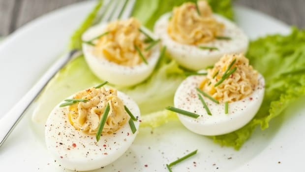 deviled eggs with chives