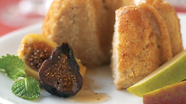 Mini Ginger Pear Cakes