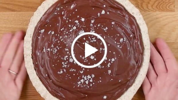 almond butter and chocolate pie gefen pie crust