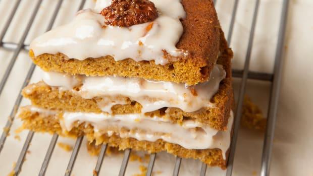 Pumpkin Cake With Pecan Praline Frosting