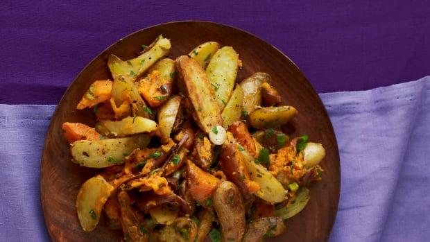 warm fingerling potato salad