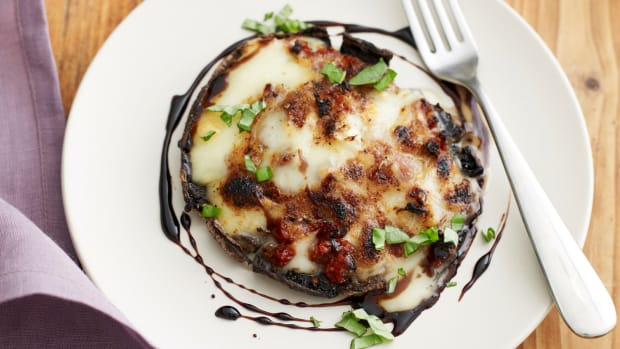 SUNDRIED TOMATO AND BRIE STUFFED PORTOBELLO MUSHROOMS