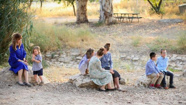 Jamie Geller with Kids for Lag Baomer by Zelda Photography