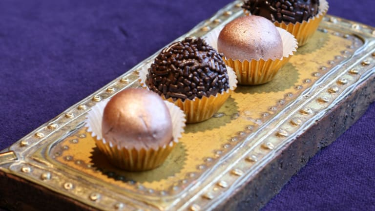 5 Days Until Passover: Welcome Your Guests With Elegant Truffles