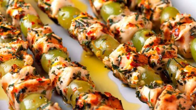 Shabbat Menu - Grilled Chicken and Grape Skewers