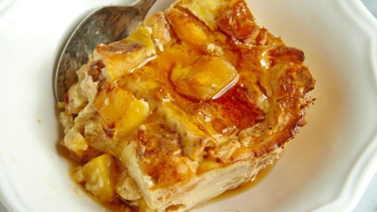 Banana and Peach Matzo Brie Bake Video