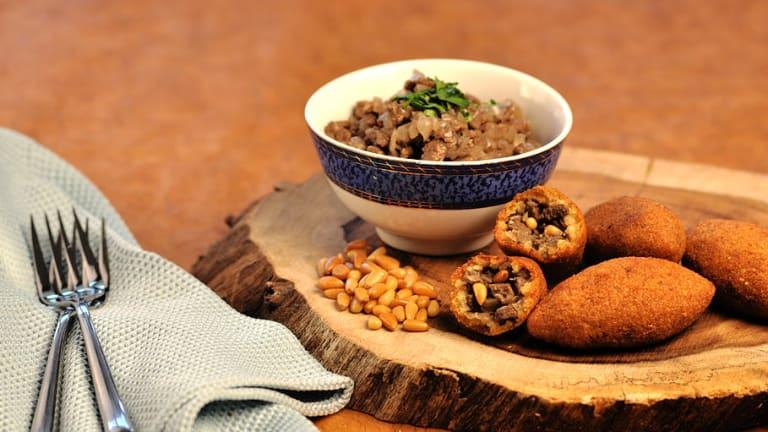 Plan a Simchat Torah Finger Food Party