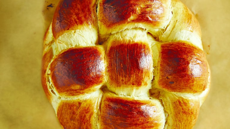 How To Shape and Stuff Round Honey Challah For Rosh Hashanah