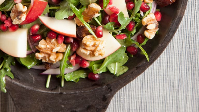Why and How You Should Be Eating More Pomegranate