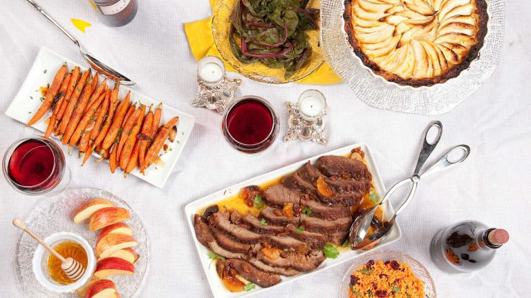 Traditional Rosh Hashanah Menu with Make Ahead Tips
