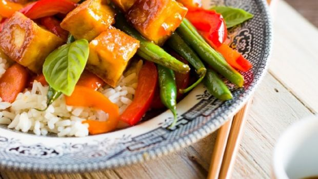 Spicy Sweet Tofu Stir Fry