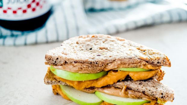 Sweet Potato and Almond Butter Sandwiches with Green Apples