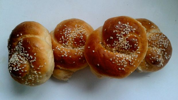 ENRICHED COTTAGE CHEESE ROLLS