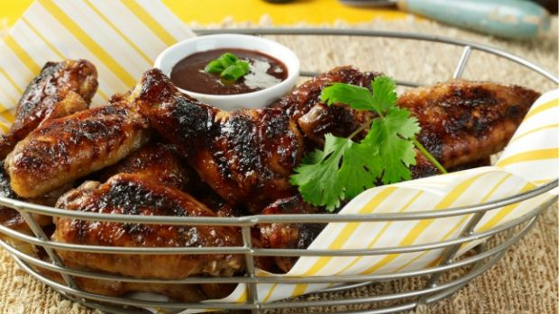 Chicken-Wings-with-Grilled-Ginger-Plum-Coulis