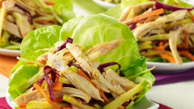 Ginger Curry Chicken Letttuce Wraps