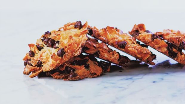Nosh-on-This.Coconut-Chocolate-Chip-Macaroons
