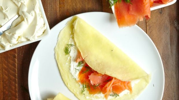 passover crepes with salmon and cream cheese