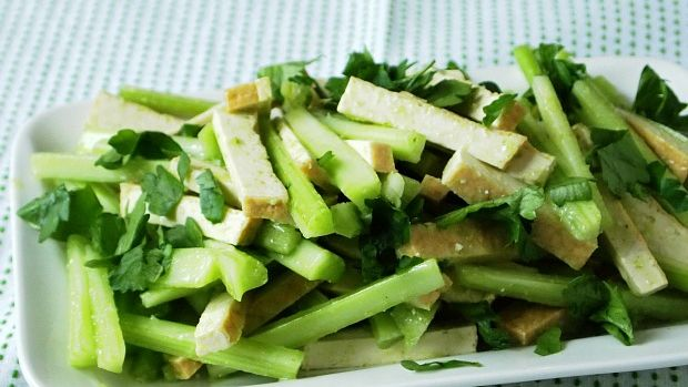 celery and tofu salad with scallion oil