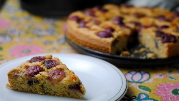 Red Grape Cake
