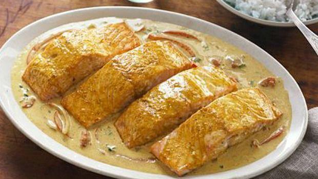coconut curry salmon.jpg
