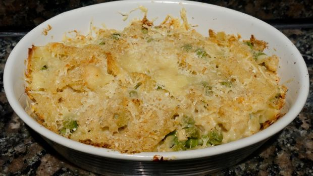 Cheese and Peas Tuna Casserole