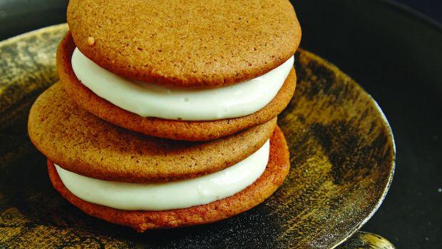 Gingerbread Sandwich Cookies horizontal