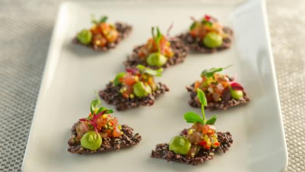 Asian Tuna Tartare On Crispy Rice Crackers