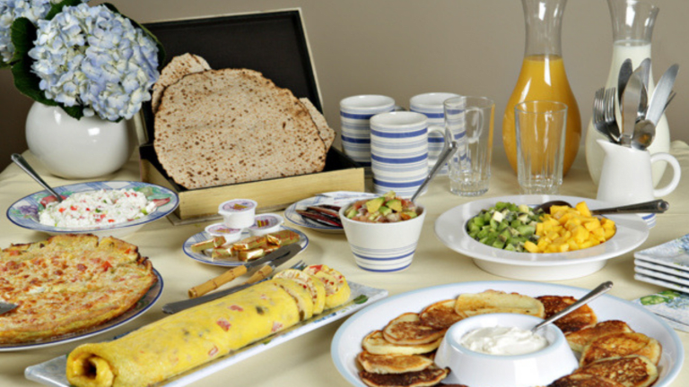 Chol Hamoed Breakfast, Snacks, and Lunch