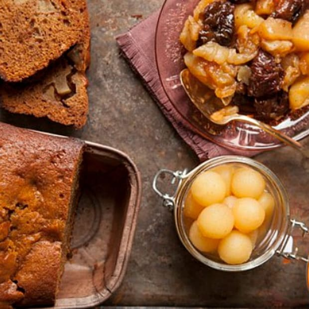 apple honey cake and apple compote