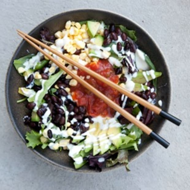 "Southwestern Salsa & Black Bean Salad with ""Sour Cream"" Dressing"
