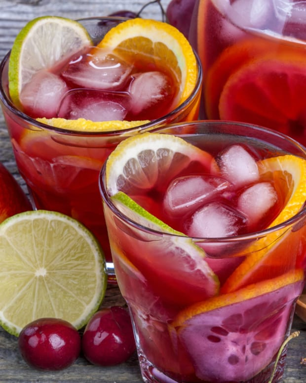 maraschino cherry lemonade.jpg