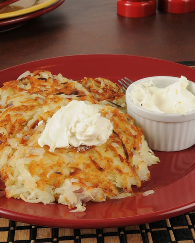 apples and sour cream stuffed latkes small.jpg