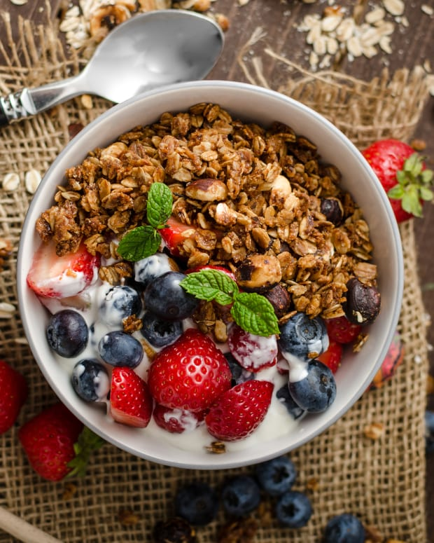 homemade low-fat granola