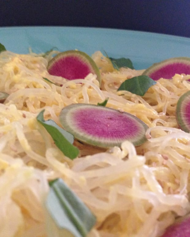 Kelp and Jicama Noodle Salad with Turmeric-Turnip Dressing