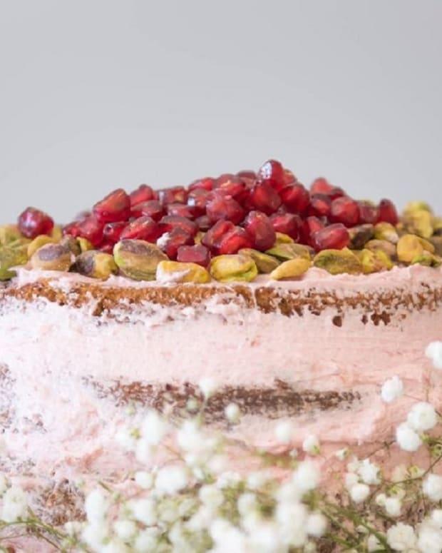 flourless pesach cakes short.jpg