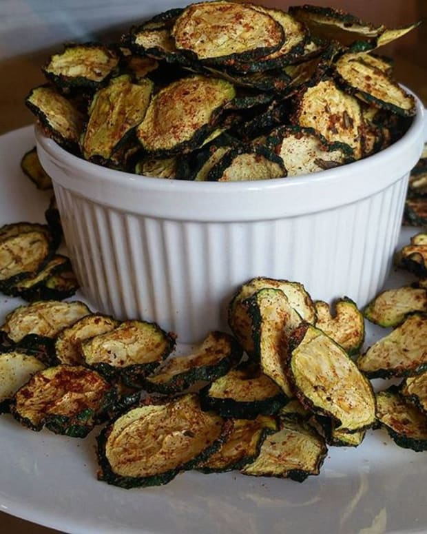 BARBECUE FLAVORED ZUCCHINI CHIPS