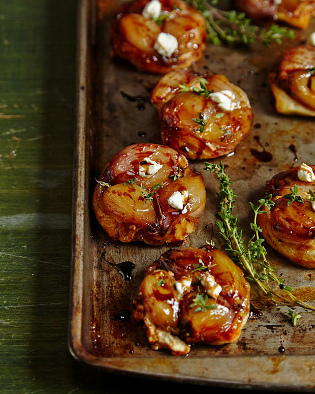 MINI TARTE TATINS WITH CARAMELIZED SHALLOTS AND GOAT CHEESE