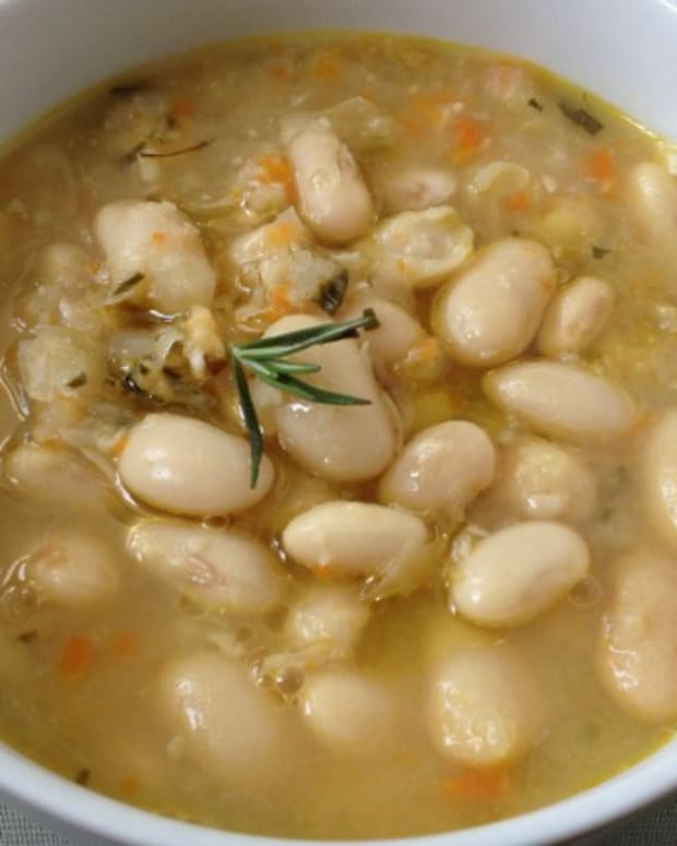 heirloom white bean soup