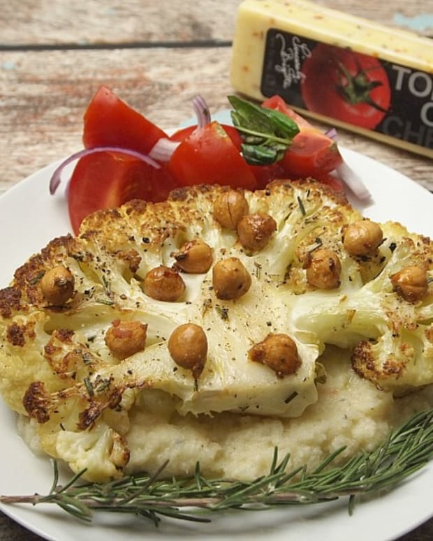 cauliflower-steak-with-tom-olive-cheese