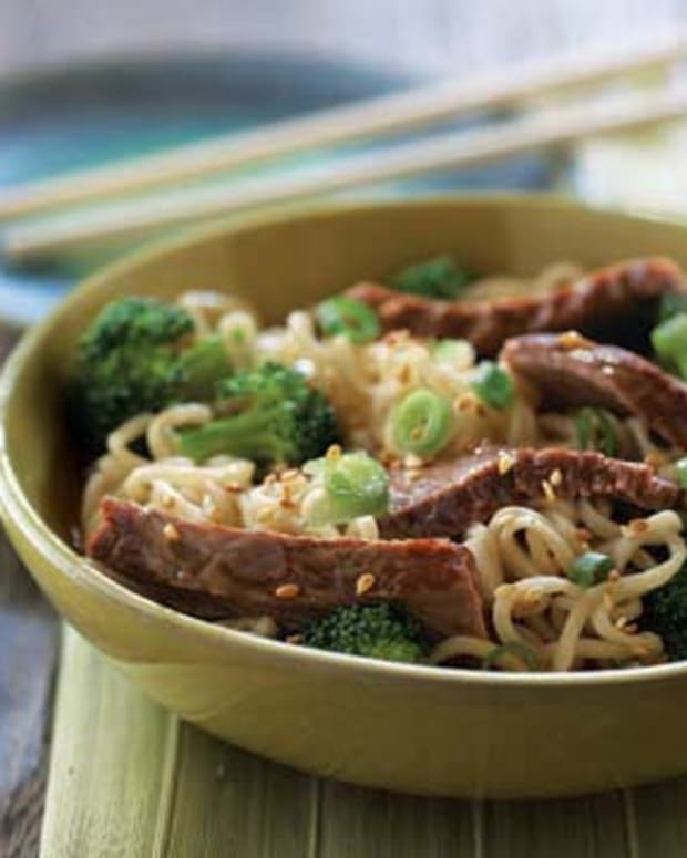 AsianBeefandBroccoliNoodleBowl