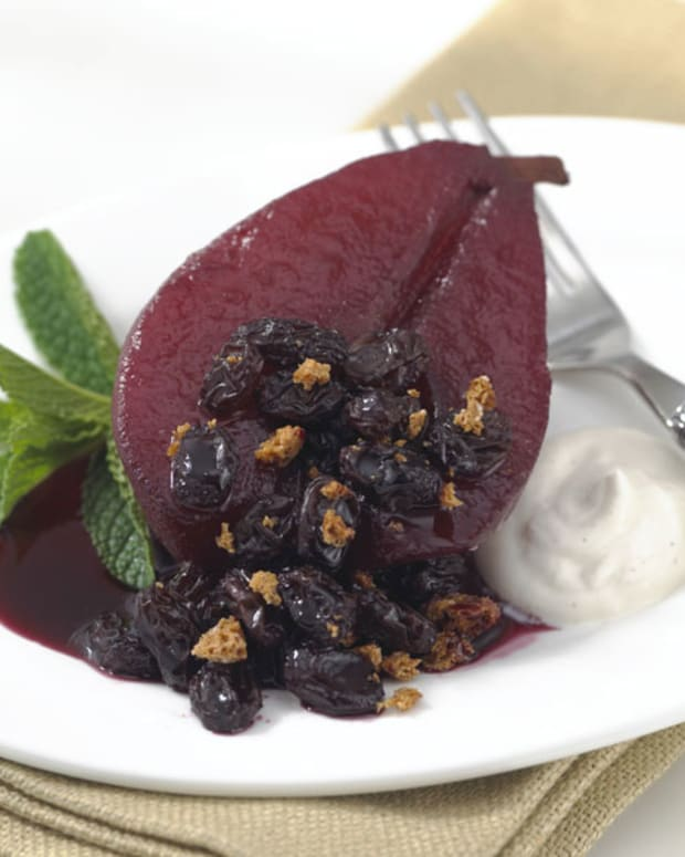 Honey Poached Pears with Amaretti Raisin Topping