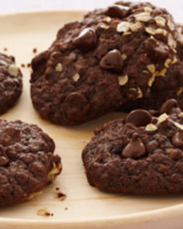 Chocolate Chewy Oatmeal Cookies
