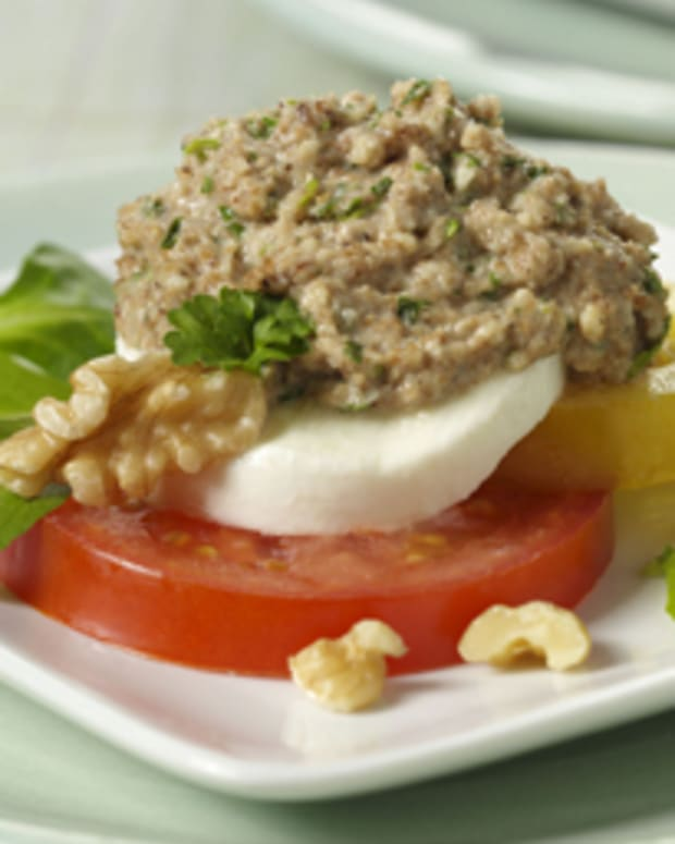 Garlic Walnut Dip